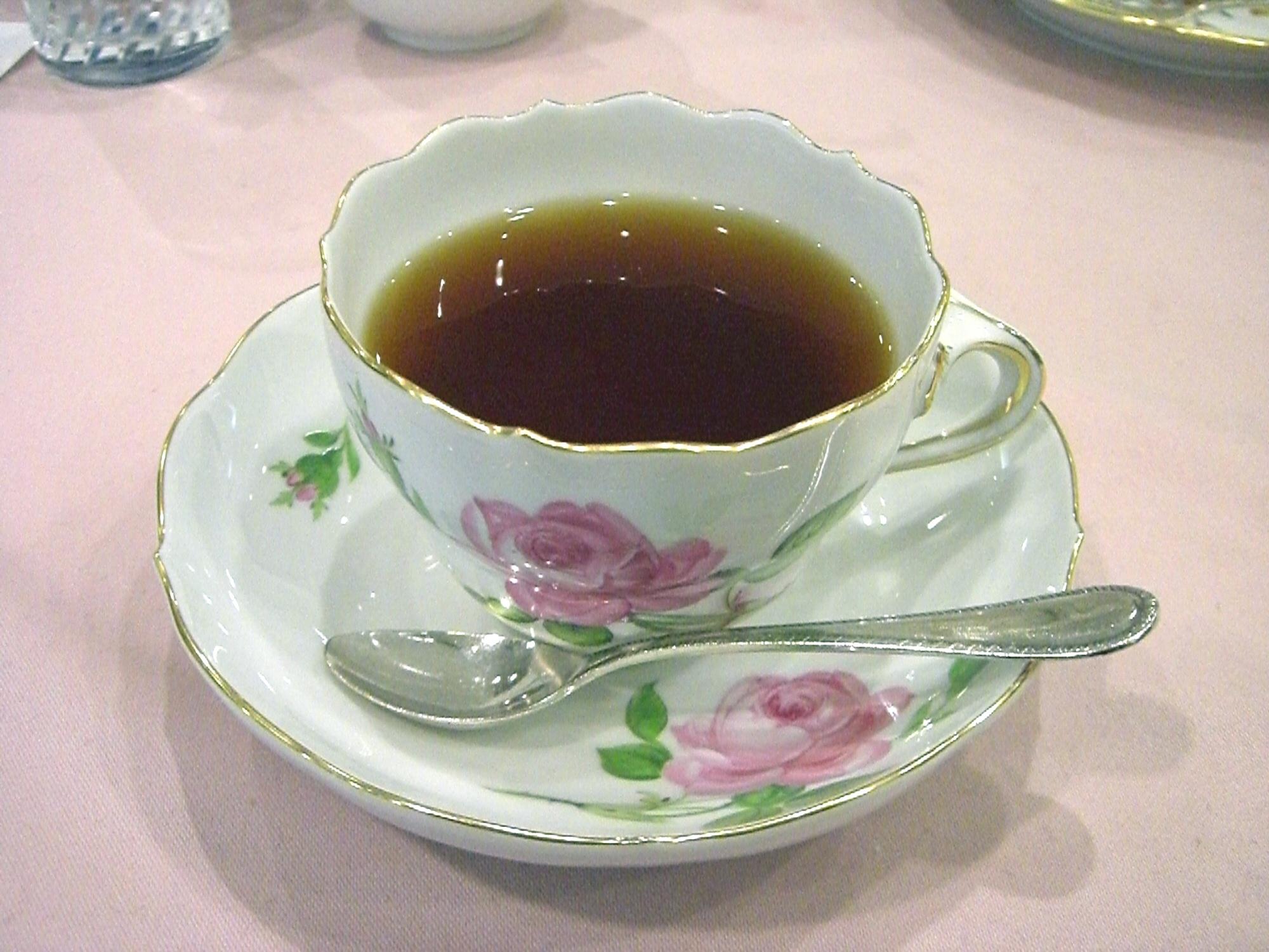 Meissen-teacup_pinkrose01.jpg